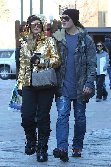 Paris Hilton and Chris Zylka Stroll Photo