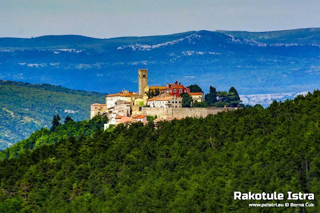 Pogled iz Rakotule na Motovun @ www.poistri.eu