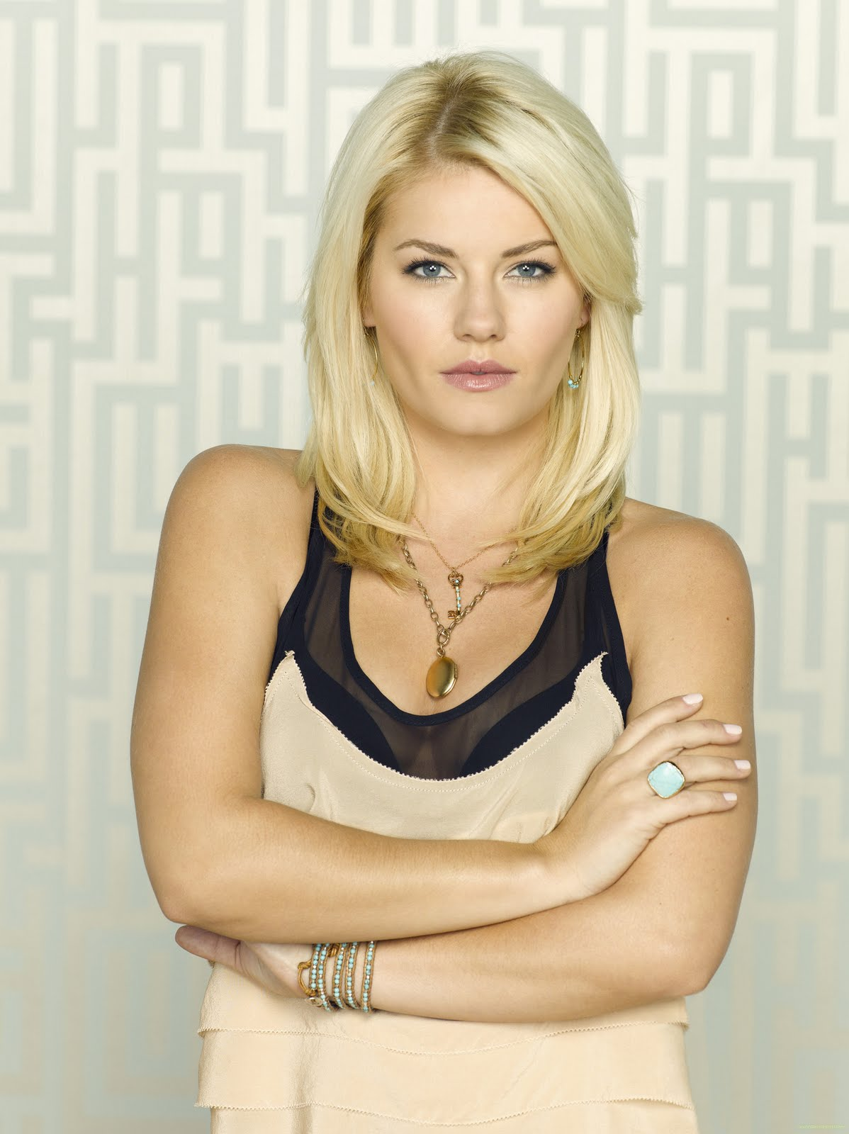 Elisha Cuthbert Latest Photos: Happy Endings Promo PhotoShoot