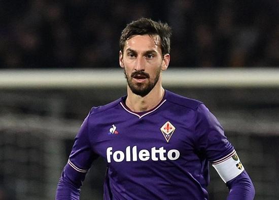Davide Astori, người đội trưởng của Fiorentina đã qua đời trong khi  đang ngủ tại một căn phòng của khách sạn La di Moret