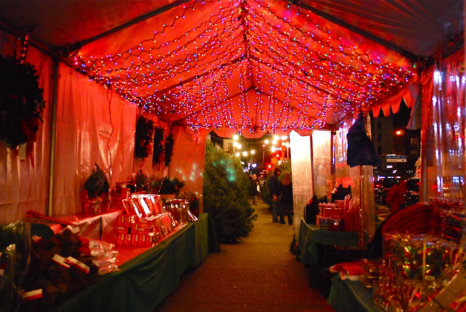 NYC ♥ NYC: Manhattan's Sidewalk Christmas Tree Vendors