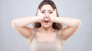 Cara menghilangkan lemak di wajah secara alami dengan latihan XO