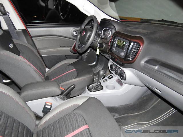 Fiat Toro 1.8 Flex Automática 2016 - interior