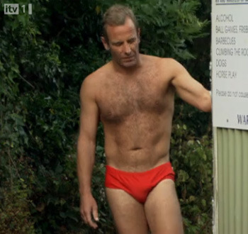 Robson Green On Vacuuming Naked And Playing Guitar In His Pants