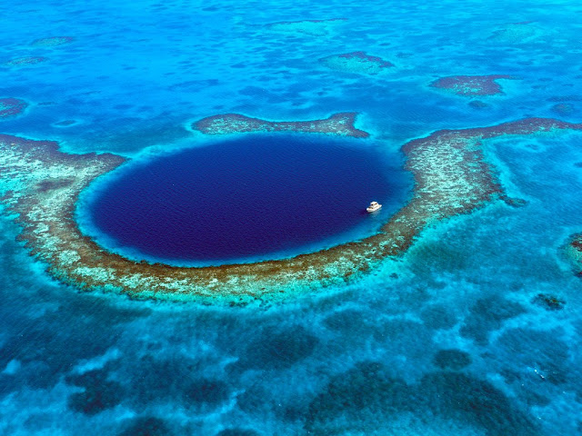The Great Blue Hole: Belize