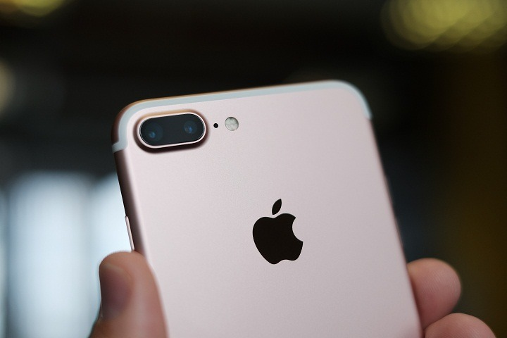 Apple menggunakan teknologi dual camera di iPhone 7