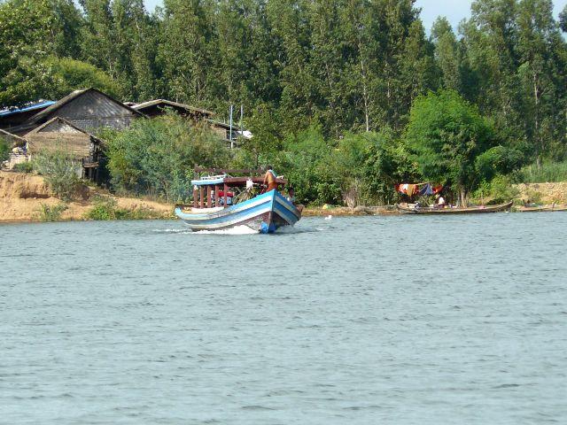 barca a Inwa