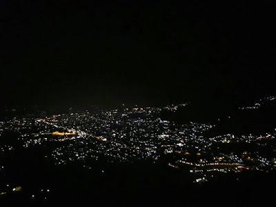 Paralayang wisata malam