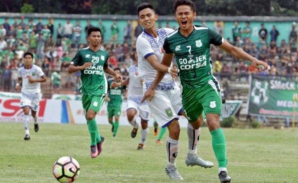 PSMS Lolos Ke Liga 1 PSSI Setelah Tumbangkan PSIS Semarang. Pendukung PSMS Bersorak dan Bernyanyi