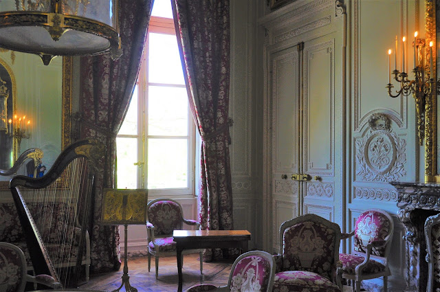 Petit Trianon, Notes from France - In the Footsteps of Marie-Antoinette, photo by modernbricabrac
