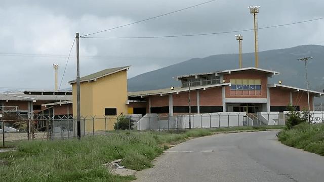 Mueren 11 y 28 heridos durante motín en cárcel de Venezuela