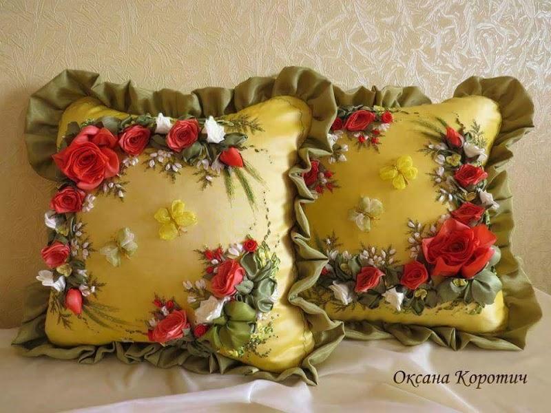 Seni Jahitan Sulaman Bunga Riben di Kusyen Yang Sangat Cantik