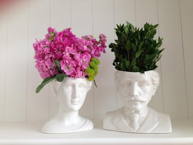 FOFURA DO DIA: vasos que são como antigos bustos. Achados de Decoração