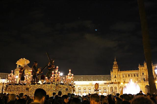 Nuestro Padre Jesús de la Victoria en la plaza de España