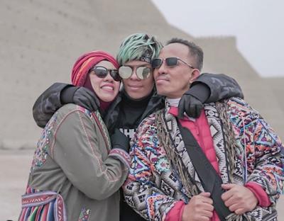 Foto Atta Halilintar dengan ayah dan ibunya