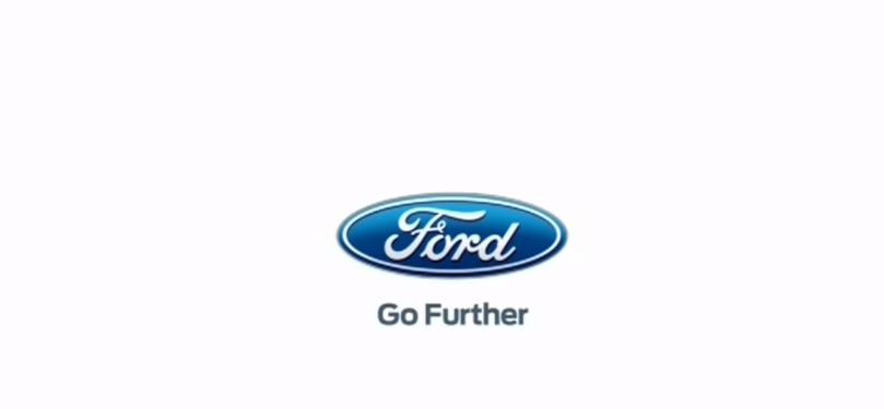Nome modello e modella Ford Ka Scritte e palloncini arancioni con Foto - Testimonial Spot Pubblicitario Ford Ka 2016