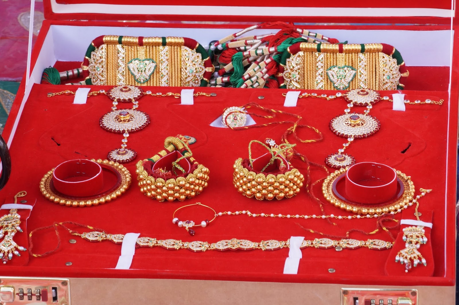 Rajputi Gold Ornaments Baju Bangadi And Punchhi