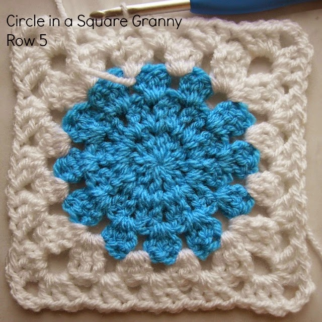 circle in a granny square