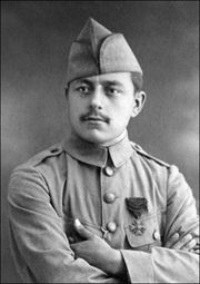 Lazzaro Ponticelli as a young soldier in the First World War