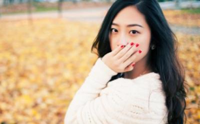 Bagaimana Cara Mengatasi Gusi Bengkak Dan Berdarah Akibat Gigi Berlubang secara Alami dengan Cepat