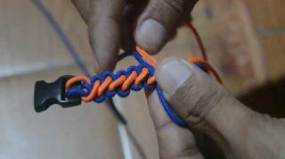 Tutorial Membuat Gelang Tali Sederhana - Gelang Paracord