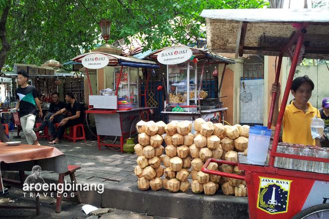 kuliner masjid agung sunda kelapa