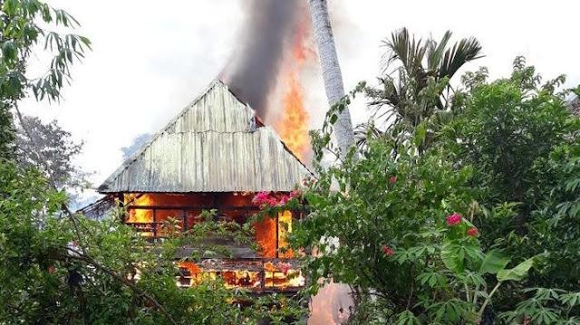 Tiga Rumah Hangus Terbakar