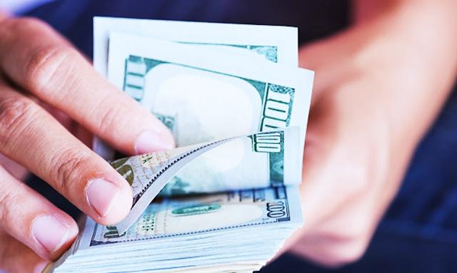 Entre las facturas de vivienda, alimentos, celulares y otros gastos, los estadounidenses desembolsan 164.55 dólares, en promedio, en un día determinado.