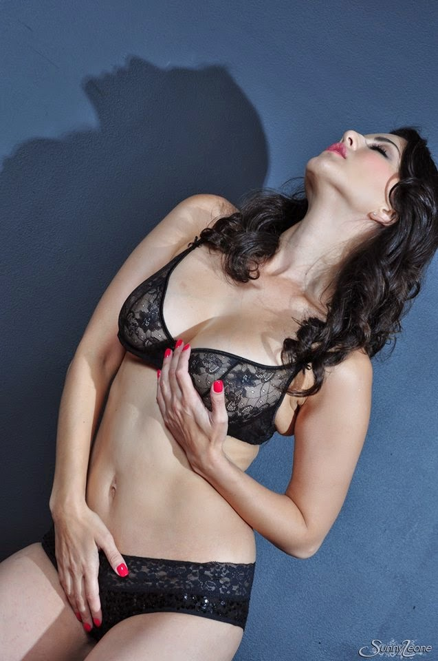 Agree, this sunny leone sexiest kissing valuable