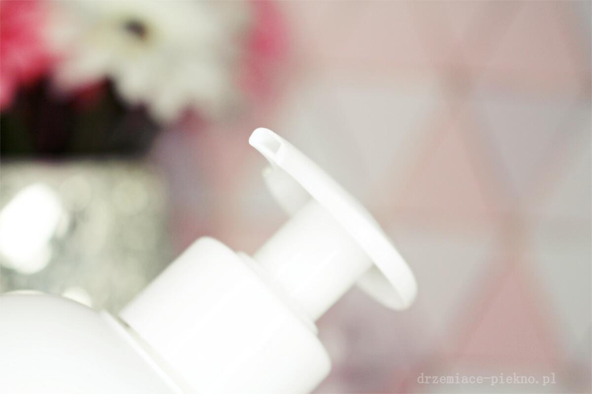 Emulsja do mycia ciała dla skóry wrażliwej i Atopowej Solverx Atopic Skin Shower Emulsion