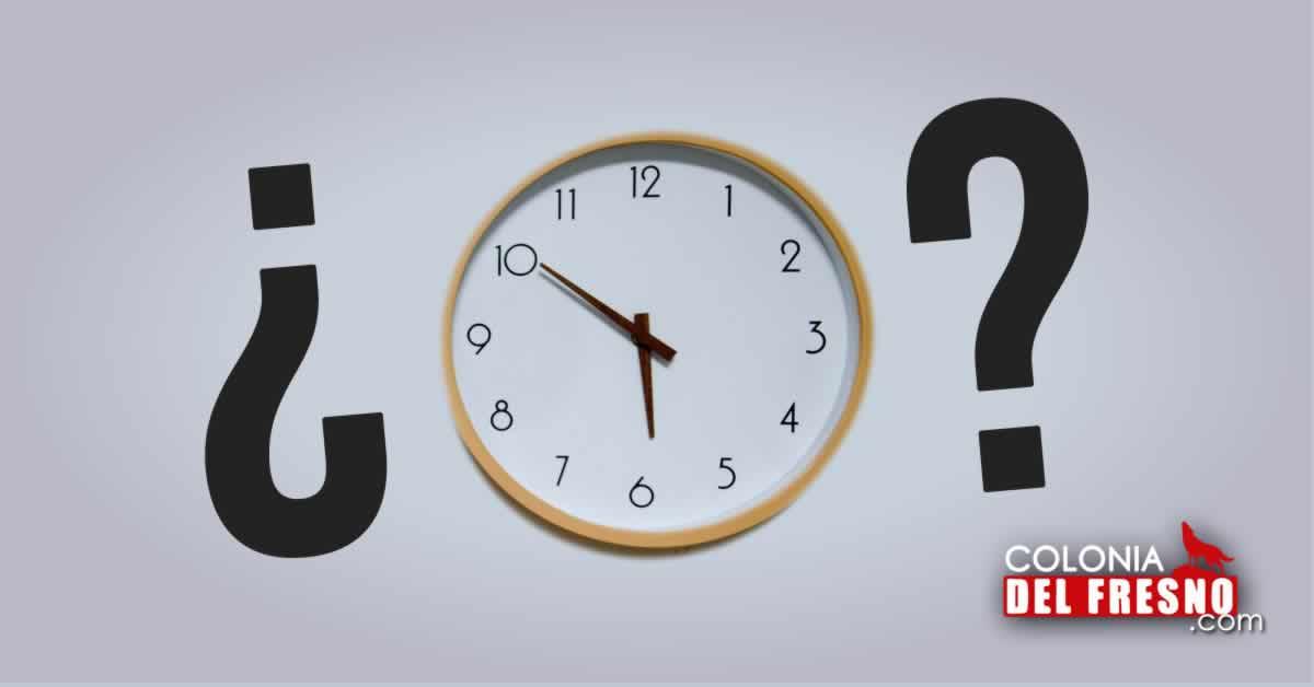 Reloj sobre una pared blanca, cambio de hora en Jalisco 2021