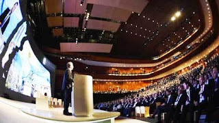 """""""Recibimos un país en recesión, con altísima inflación, pero la hemos empezado a someter y se empiezan a ver signos de que la recesión va a quedar atrás"""", aseguró en el discurso inaugural."""