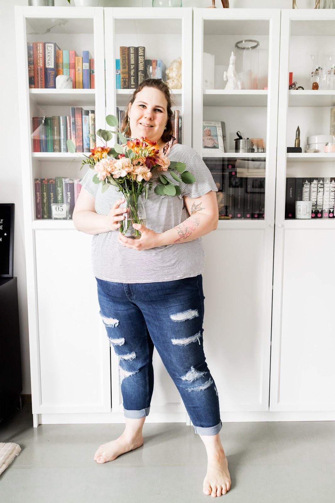 the Floral Society, mom jeans, äiti, äitiys,