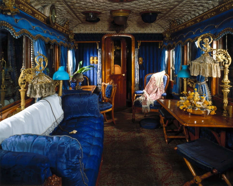 the history girls queen victoria 39 s first railway journey. Black Bedroom Furniture Sets. Home Design Ideas
