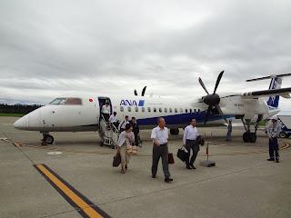 ボンバルディア DHC8-Q400で秋田空港に着陸