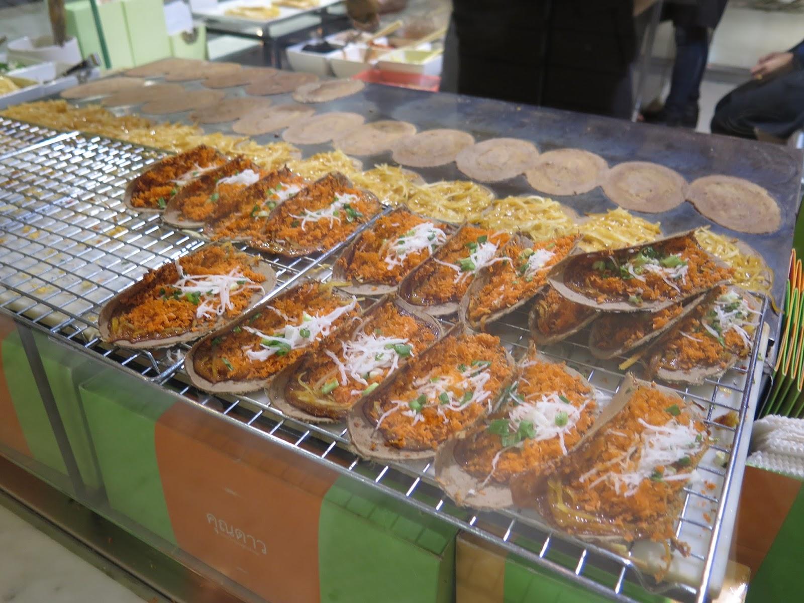 Asian Bakery Large Cake Sf