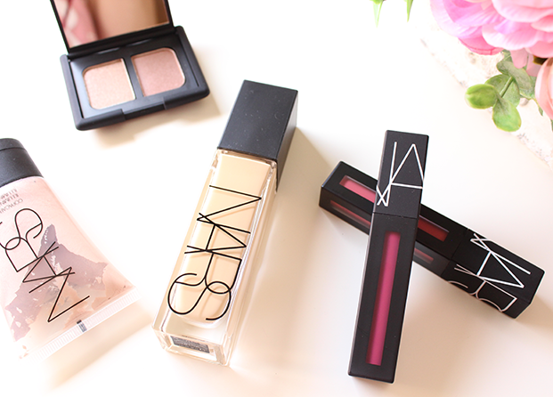 Natural Radiant Longwear Foundation + Powermatte Lip Pigment de Nars