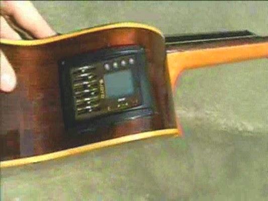 como ponerle un micrófono con afinador a la guitarra criolla, española o acústica, tutorial