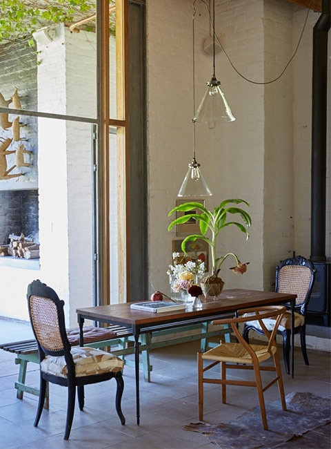 Una casa de campo con un interior de lo más eclectico chicanddeco