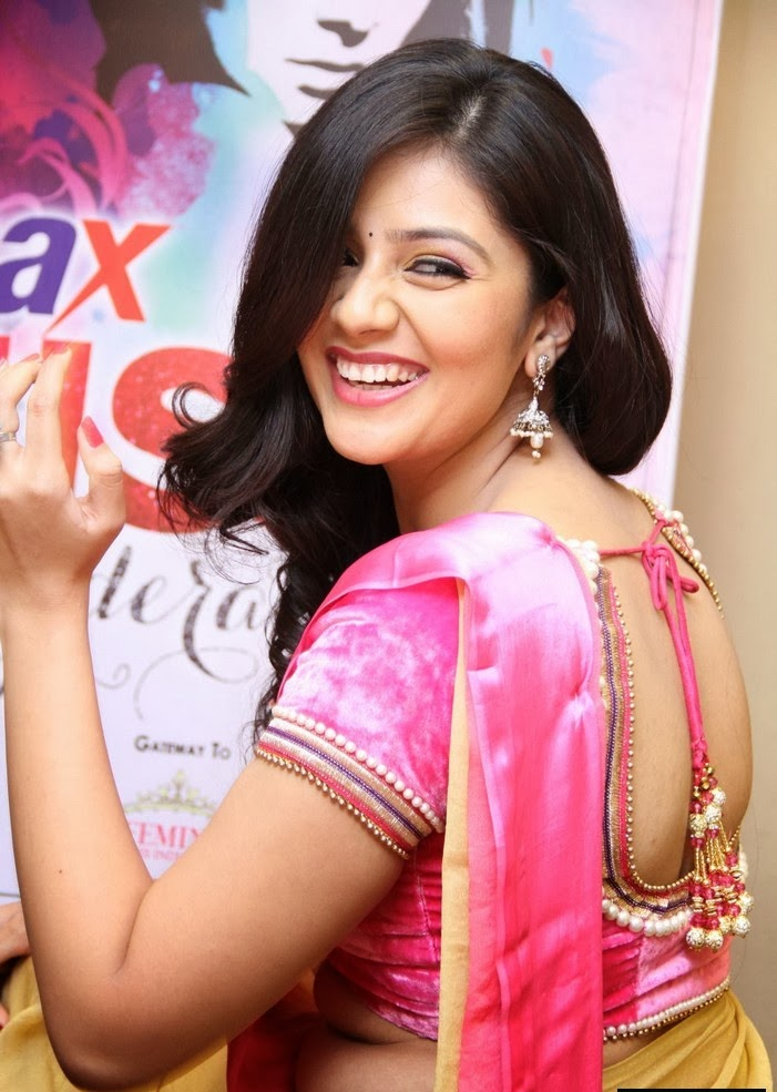 Anchor Srimukhi in lovely Pink Saree