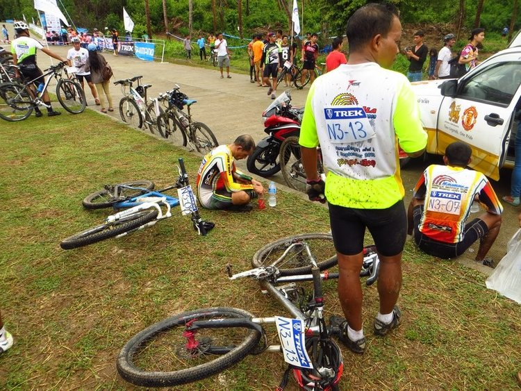 велогонка закончалась и все отдыхают