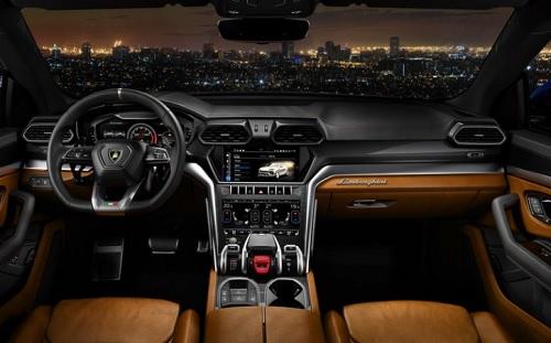Interior mobil Lamborghini urus