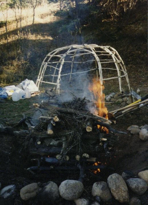 Old European culture Fulacht fiadh  sweat lodge