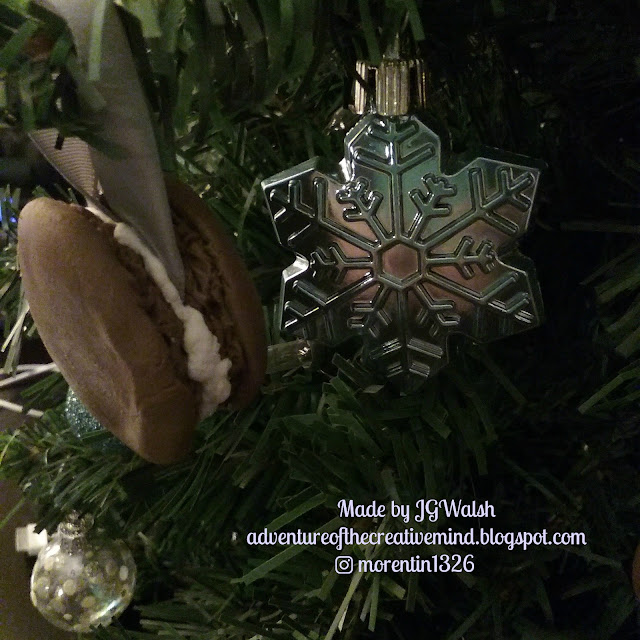http://adventureofthecreativemind.blogspot.com/2017/03/macaroon-christmas-ornaments-by-jgwalsh.html
