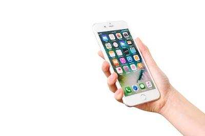 Efek-buruk-menggunakan-smartphone-sebelum-tidur