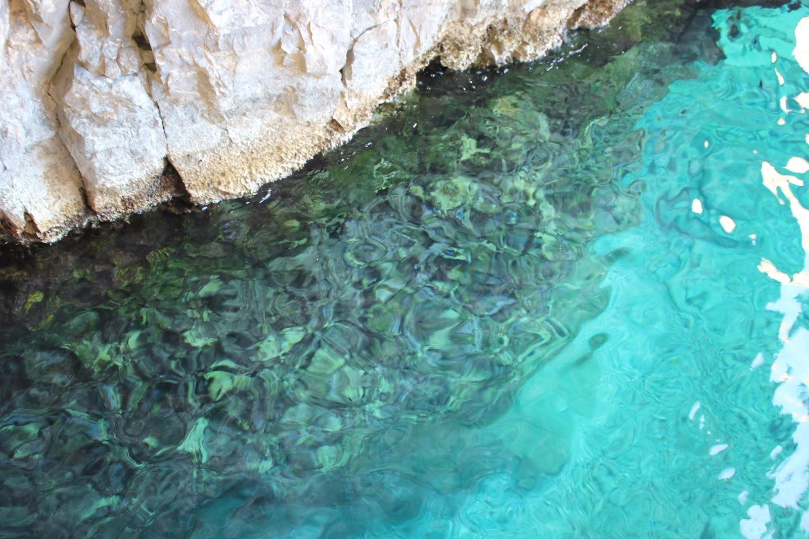 Georgie Minter-Brown blogger actress travel zante tsilivi holiday photo diary sea beach relax boat keri caves