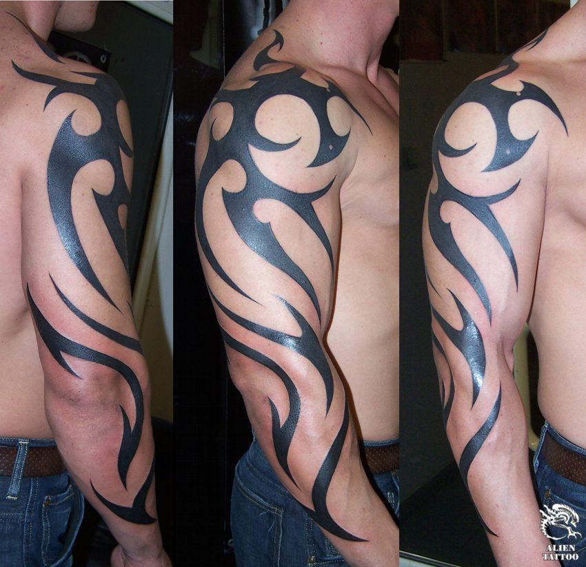 tatouage bras entier tribal