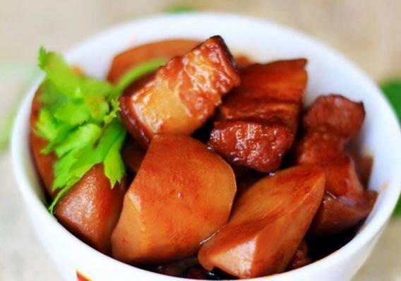 Cách làm món thịt ba chỉ khoai sọ