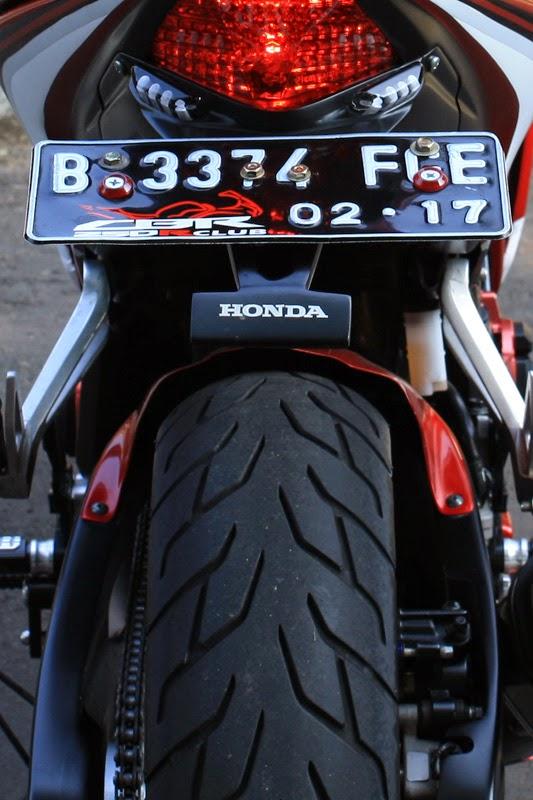 MOTOR SPORT Modifikasi Honda CBR250R Jadi Lebih Seksi