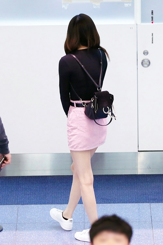 20170904000225 1 - Blackpink Rose Airport Style